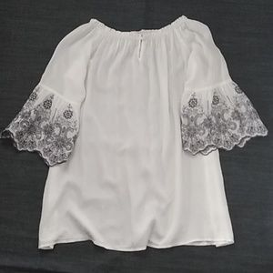 Altar'd state of the shoulder 100%rayon top blouse